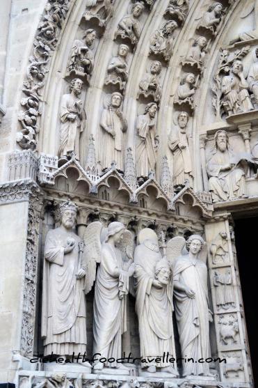 Notre Dame Tuer detalliert 3