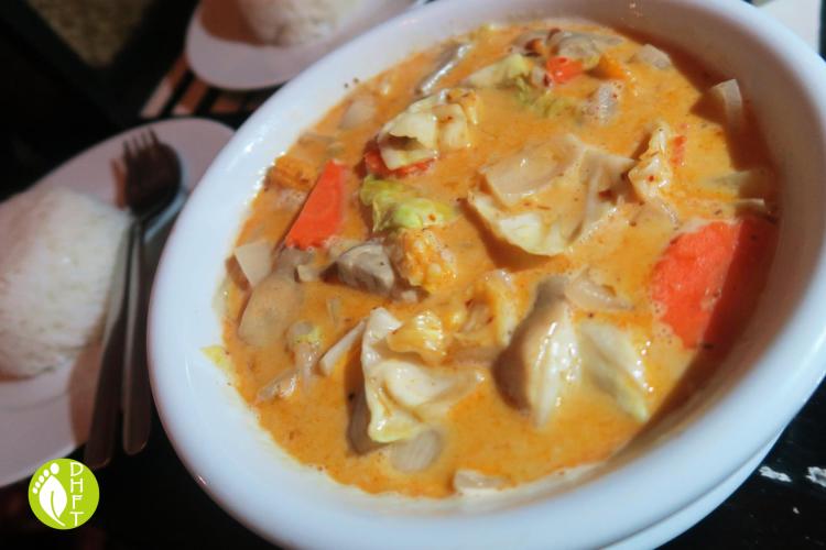 Cafe del Sunshine Lonely Beach Thai gelber Curry vegetarisch