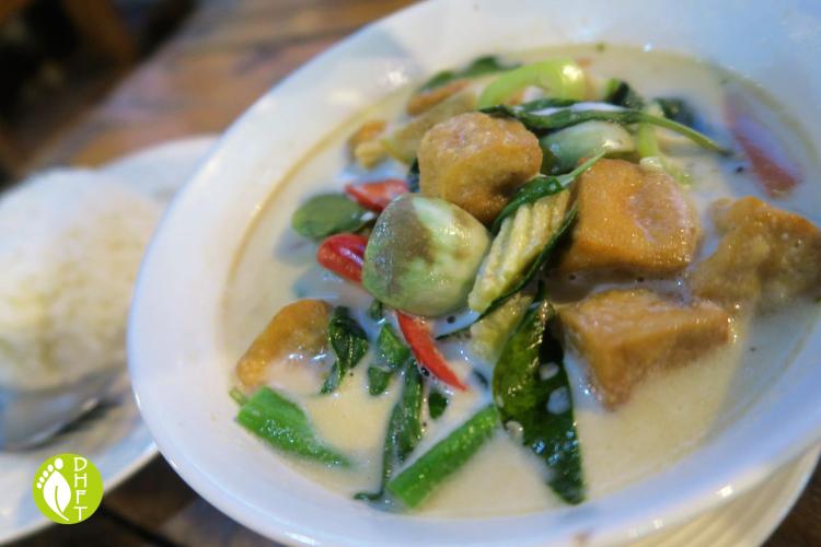 Cafe del Sunshine Lonely Beach Thai gruener Curry vegetarisch