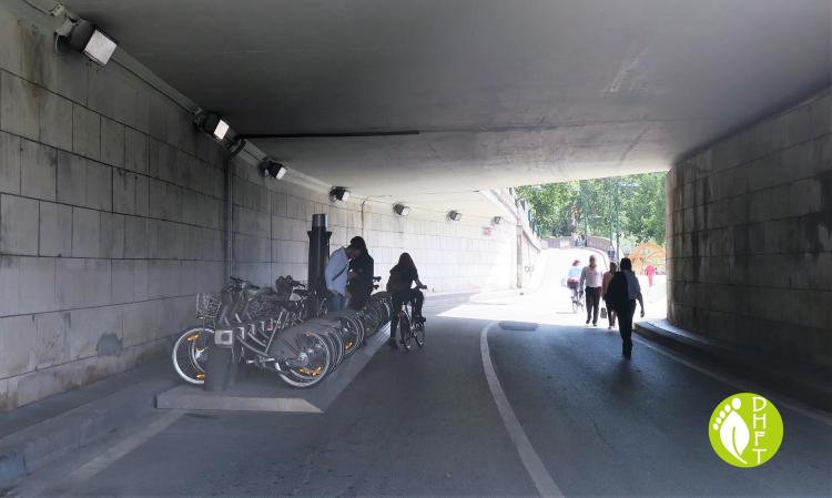 Paris Pont Darcole Fahrradstation